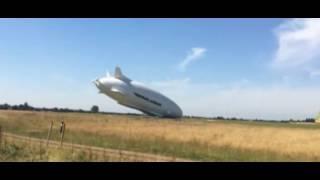 Крупнейший в мире дирижабль потерпел крушение в Англии: видео(Самый большой летательный аппарат в мире Airlander, который впервые был поднят в небо несколько дней назад,..., 2016-08-24T12:46:37.000Z)