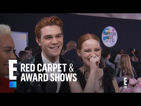 """KJ Apa & Madelaine Petsch Take """"Riverdale"""" to the 2017 AMAs 
