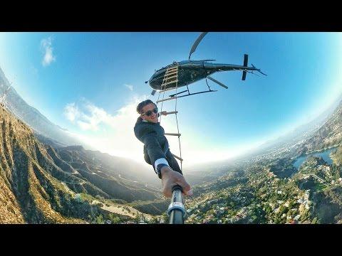 Фото с лестницы вертолета. Кейси Нейстат на русском