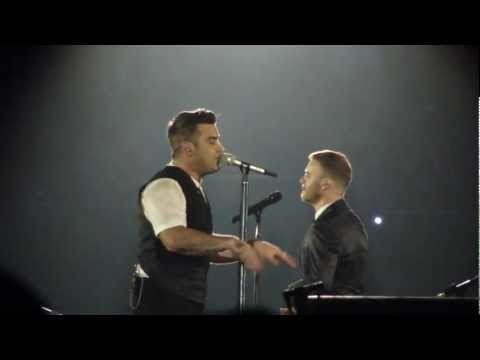 Robbie Williams & Gary Barlow - Eight Letters, live at the O2 London, 23. November 2012