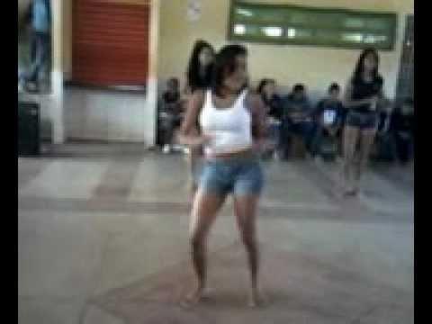 """Meninas do herbert dançando """"segura o tchan """""""