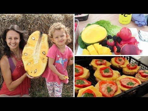 What We Ate At UK Fruit Festival -- 80/10/10 Raw Vegan -- Sport