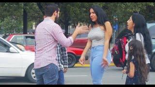 Broma Hablando IDIOMAS RAROS A Desconocidos En La Calle *Humor* Comedia