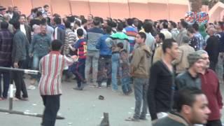 اهالي الدرب الاحمر يغادرون مديرية أمن القاهرة لتلقي العزاء في ضحية أمين الشرطة
