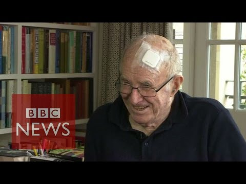 Clive James 'near to death but thankful for life' - BBC News