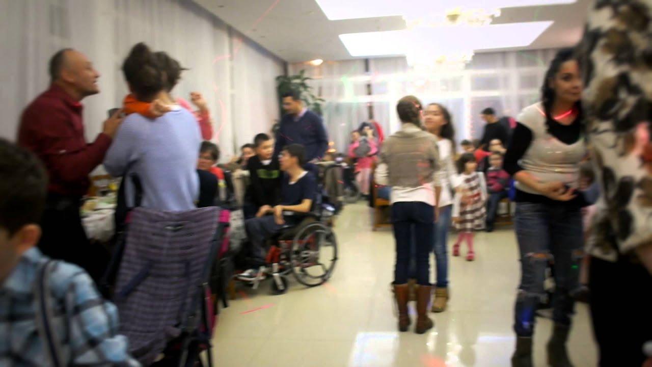 datând pe cineva într- un ajutor pentru scaune cu rotile)