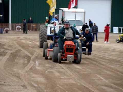 Allis Chalmers   Garden Tractor Pulling