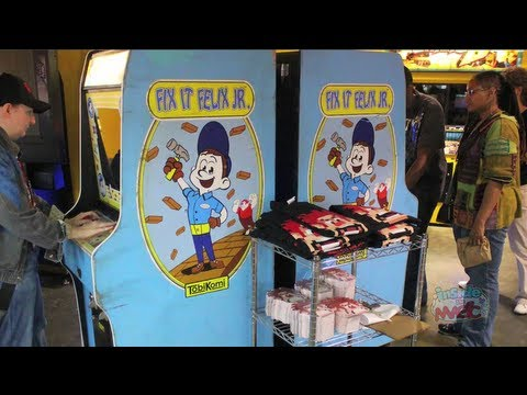 """""""Wreck-It Ralph"""" real arcade game Fix-It Felix Jr for San Diego Comic-Con 2012"""