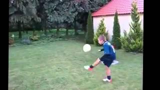 Ronaldo 39 nun hareketlerini yapan çocuk