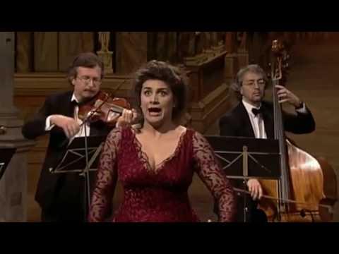 Vivaldi: Agitata da due venti - Cecilia Bartoli [BEST QUALITY]