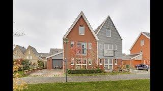 Deze half vrijstaande woning aan de Wierdijk in Zwaag is te koop!