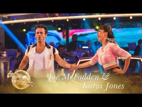 Joe McFadden and Katya Jones Jive to 'Rockin' Robin' by Michael Jackson