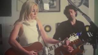 Смотреть клип Ashley Monroe - From Time To Time
