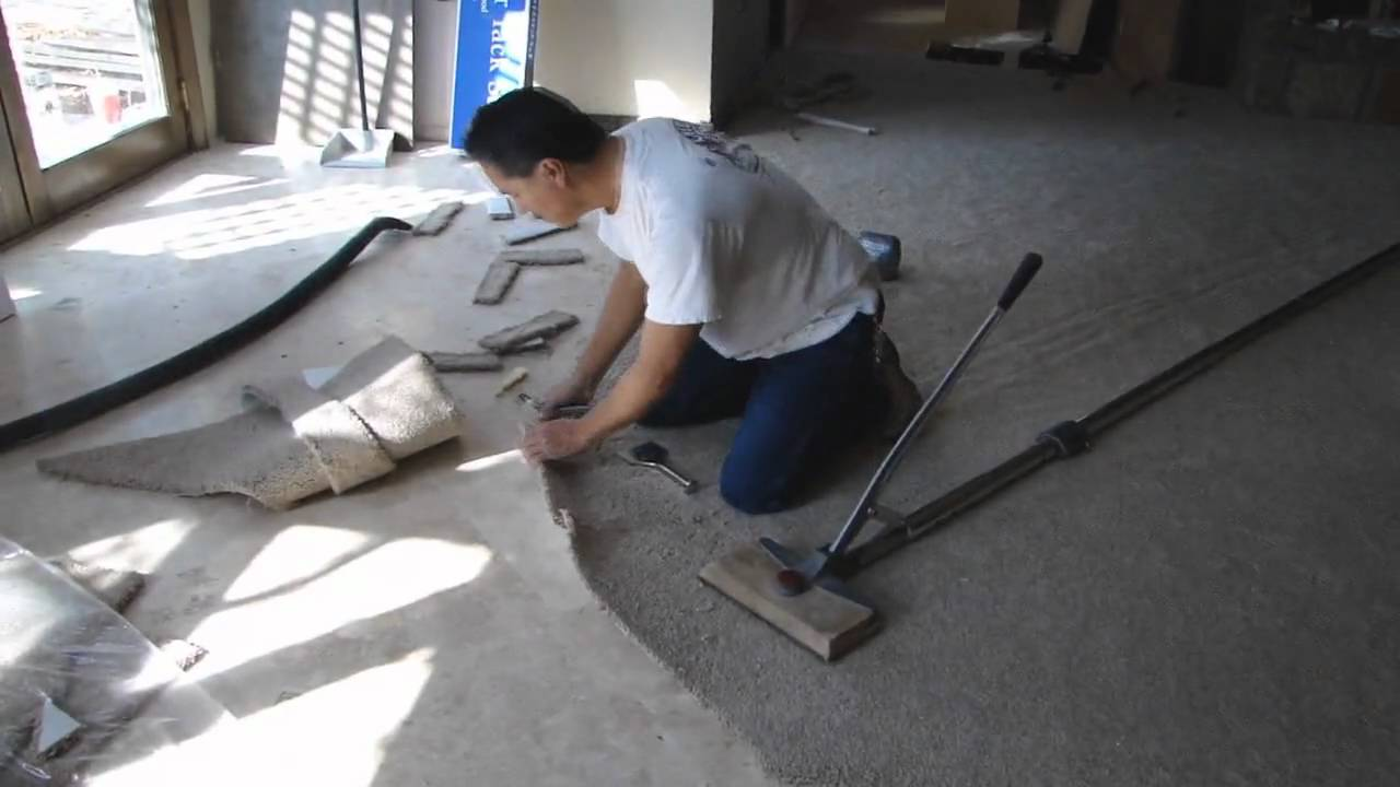 Curved carpet installation youtube curved carpet installation dailygadgetfo Images