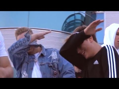 it's everyday bro but everytime they say it's everyday bro the song restarts