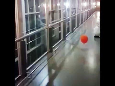 Un globo poseído persigue a los trabajadores de un hospital en Argentina