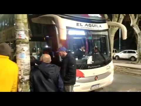 Un chofer que debía traer alumnos a Rosario dio positivo en un control de cocaína