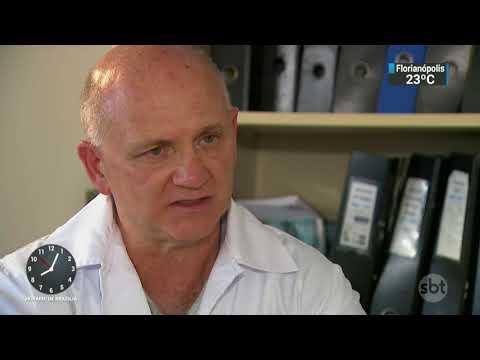 Especialista desmente boatos sobre a vacina contra a febre amarela | SBT Brasil (17/02/18)