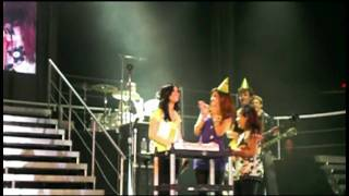 happy birthday surprise for demi w jonas brothers and her sisters