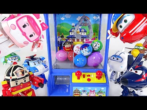 Thumbnail: Super Wings and Robocar Poli's crane vending machine battle play -DuDuPopTOY