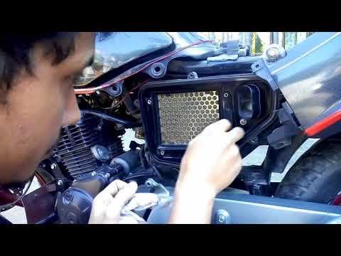 How to clean any Hero/Hero Honda  bikes air filter at home