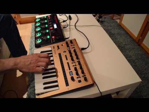 Korg Monologue demo song 27.7.2017 Golden Eye