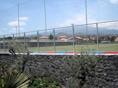 Centro sportivo calcio catania torre del grifo campi da gioco youtube - Torre del grifo piscina ...