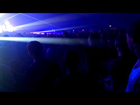 Crazy Crowd at Tiesto Concert in London 2014 - Diaries of a man on a business trip