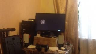 Кошка смотрит фильм о космосе