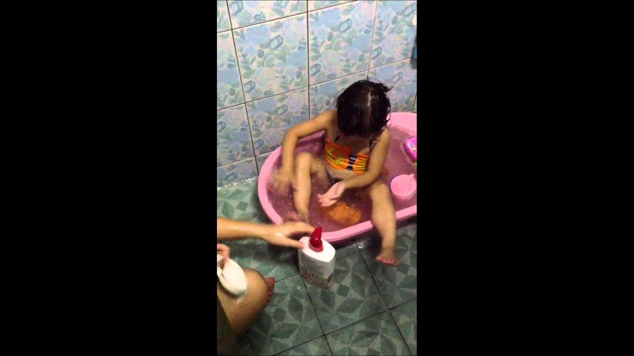 ตั้งโอ๋อาบน้ำ