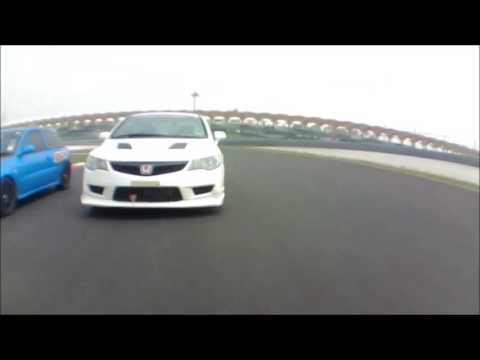Civic Type R FD2R Dog Fight Sepang International Circuit