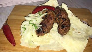 люля-кебаб на сковороде гриль  Вкусное восточное блюдо
