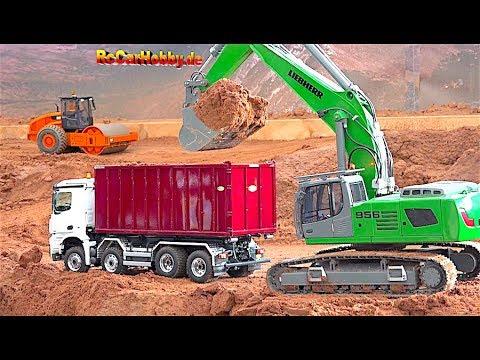 AMAZING R/C TRUCK ACTION AT CONSTRUCTION WORLD HERSCHWEILER - November 2017 P2