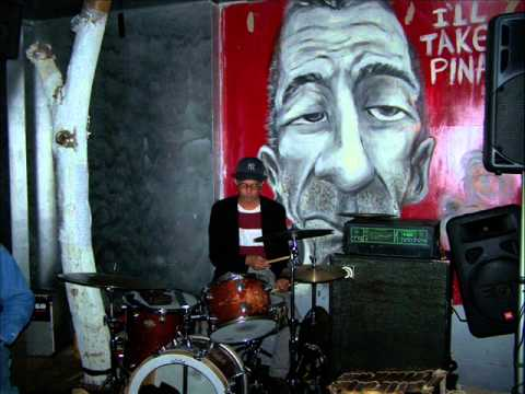 Download The Black Butterflies performs Lumkili Live At Dream 12-09-10.wmv