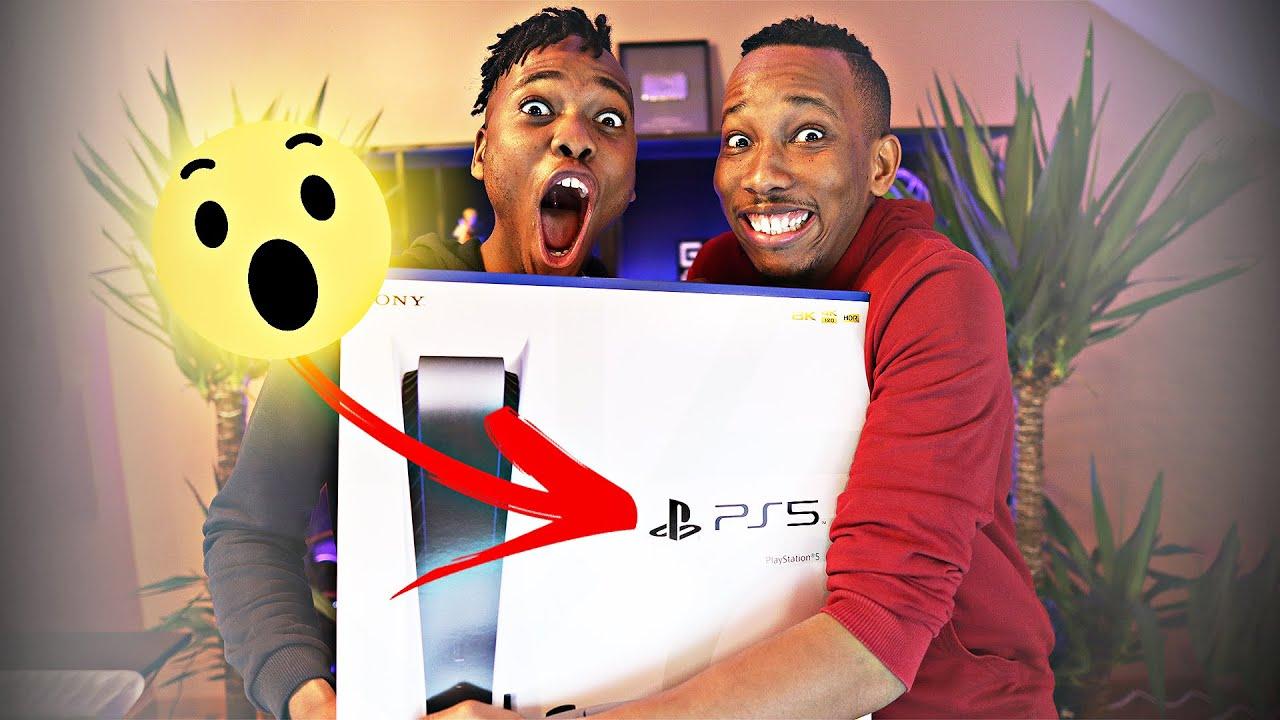 Unboxing de la PS5 !! (mais qui n'est pas à nous...) - Les Parodie Bros