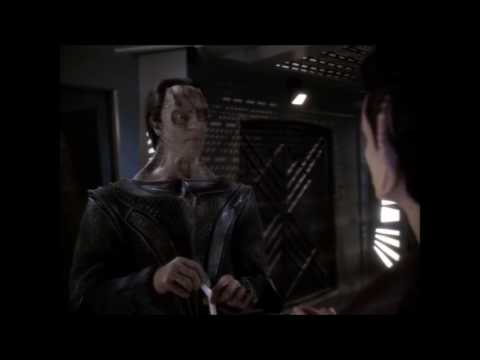 Star Trek DS9 - Weyoun burns Dukat