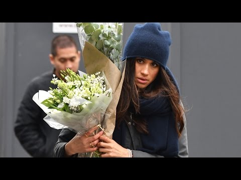Meghan Markle Appears to Wear Ring With an 'H' for Prince Harry as She Picks Up Flowers in London