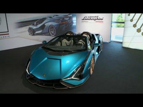 Lamborghini Sián Roaster, supercar ibrida da 2 milioni e mezzo di euro: 19 esemplari tutti venduti!