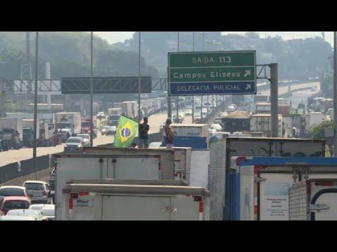 Sindicato de camioneros pide fin de bloqueos en Brasil