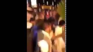 بالفيديو .. ناصر الشمراني يعتدي على مشجع في مطار جدة