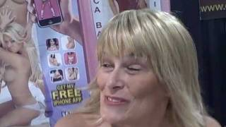 Quality time with Lynn LeMay at Exxxotica Chicago 2011