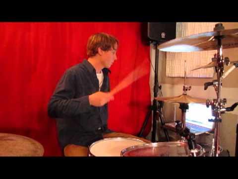 Shure SM-81 Microphone on Zildjian K Hi Hats: (review)