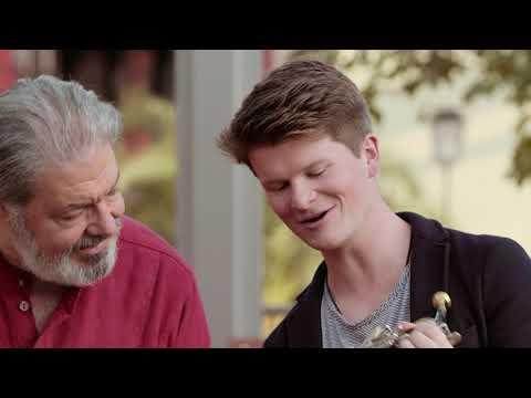 Von Pult zu Pult: Eric Terwilliger und Carsten Duffin (Solo-Hornisten)