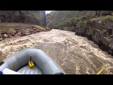 Royal Gorge 4,100 CFS - Arkansas River Rafting & Kayaking