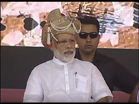PM Modi at inauguration of Government projects in Silvassa, Gujarat | वनइंडिया हिन्दी