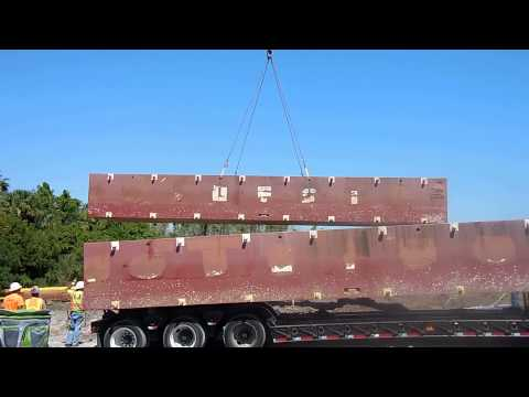 Fender Marine Construction Unloading Barge With Crane