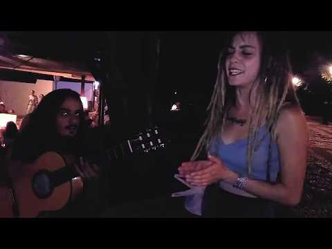 Musicos callejeros en Granada