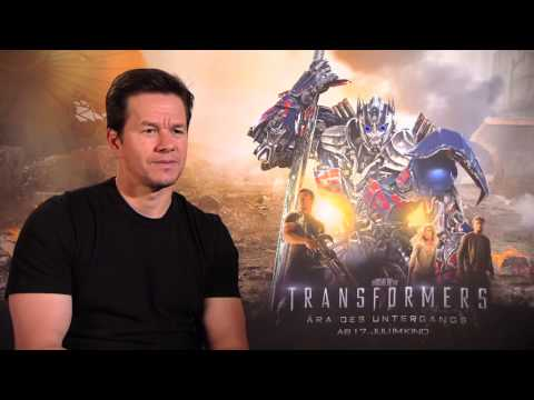 Mark Wahlberg speaks german   Transformers 4