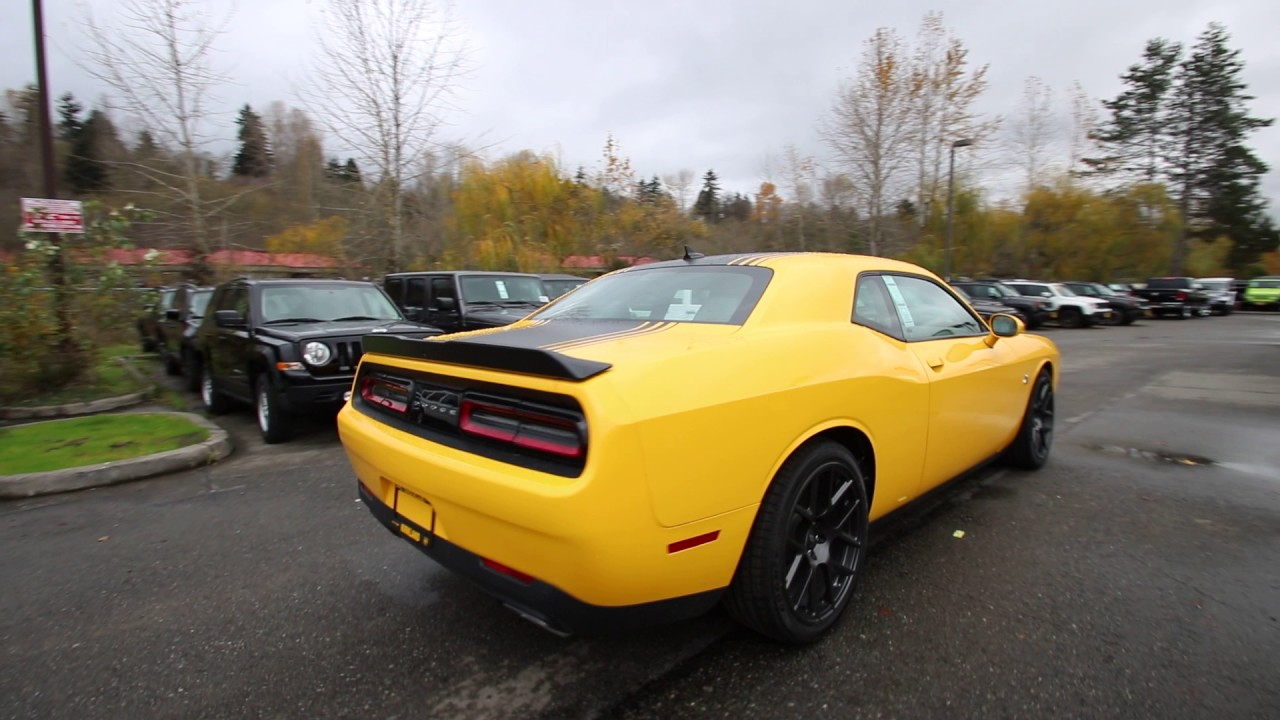 2017 Dodge Challenger Yellow Hh502337 Redmond Seattle