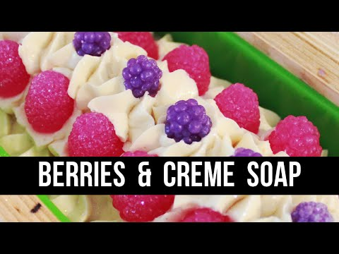 Berries and Creme Soap ( + Not All YouTubers Are Great) | Royalty Soaps